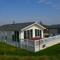 Re-sale of Tingdene Escape (with river views & hot tub)